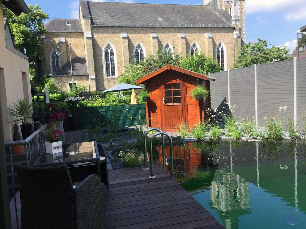 Schwimmteich kleiner Garten